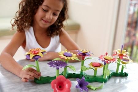 Игровой набор Создай свой Букет Green Toys Build-a-Bouquet